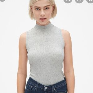 Gap sleeveless mock neck shirt marled light grey